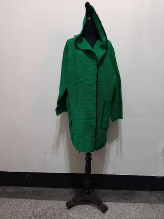 全新~ 台灣製 FREE SIZE 綠色 黑邊 大尺寸 帶帽 毛衣外套 披風 大衣