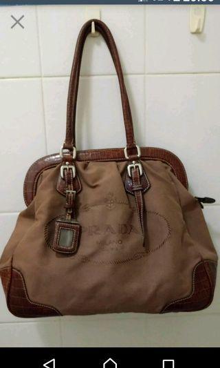 😁轉售🍀 PRADA 古董皮革手提包 肩揹包 醫生包
