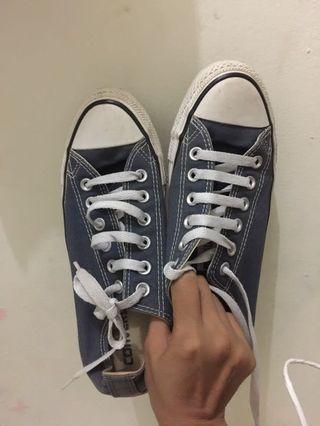 Sepatu Converse Navy 38
