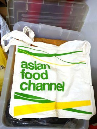 Asian Food Channel Sling bag