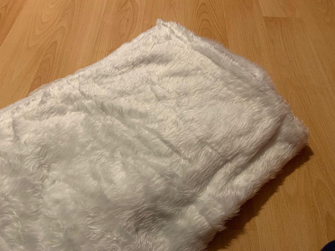 幸福傳承 - 白色毛毛地毯 (用過一次)