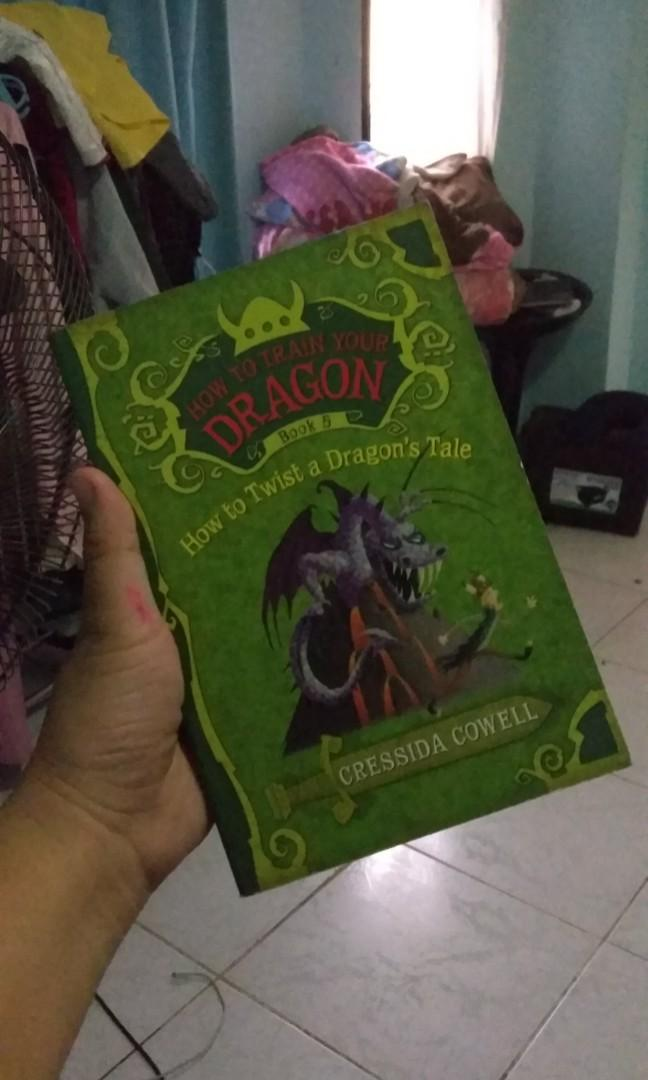 How to Twist a Dragon's Tale (How to Train Your Dragon Book 5) by Cressida Cowell