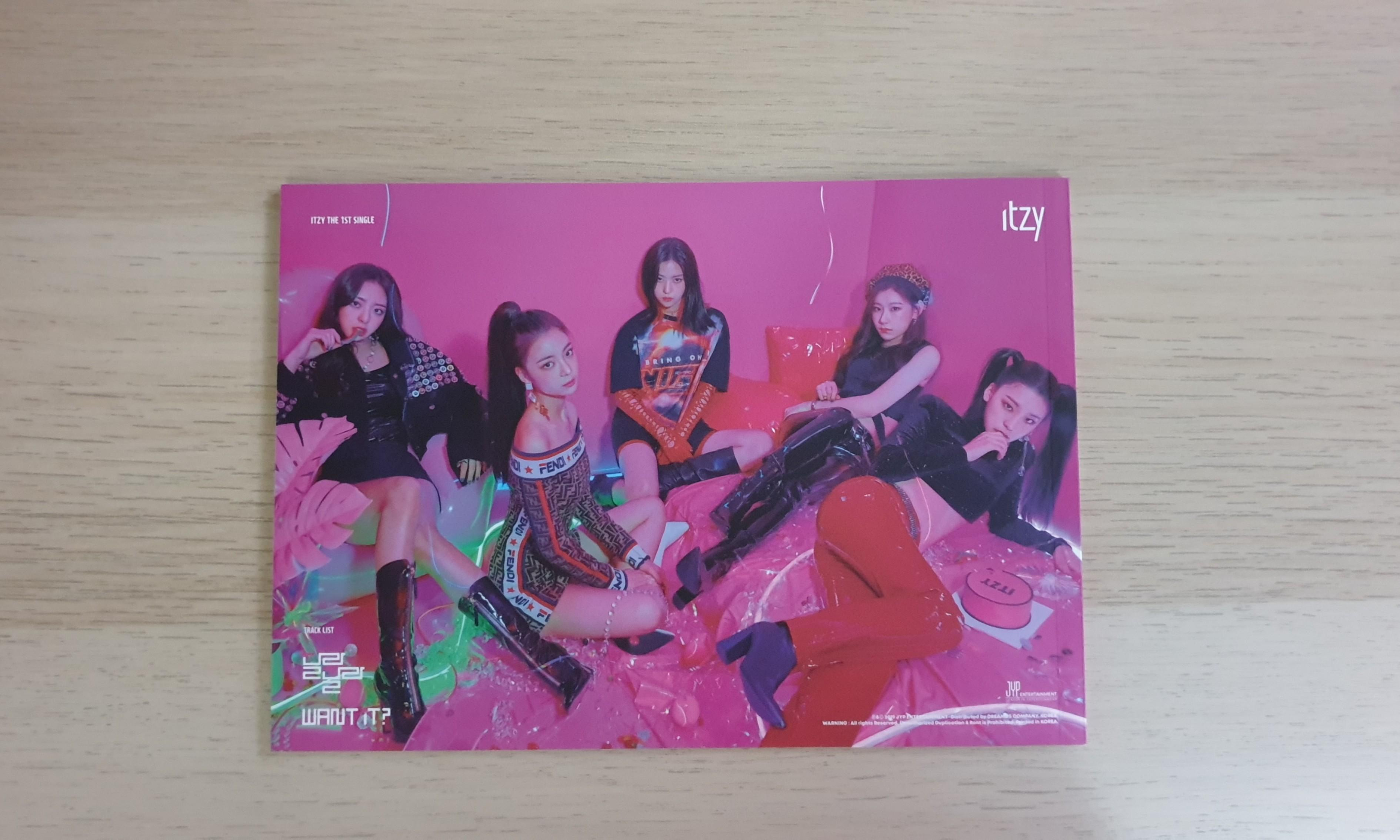 ITZY IT'z Different Photobook (IT'z ICY Preorder Benefit)