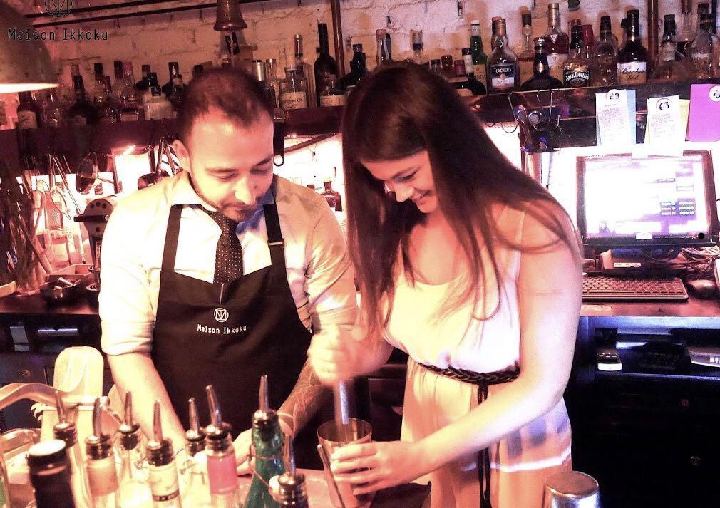 Mixologist / Bartender