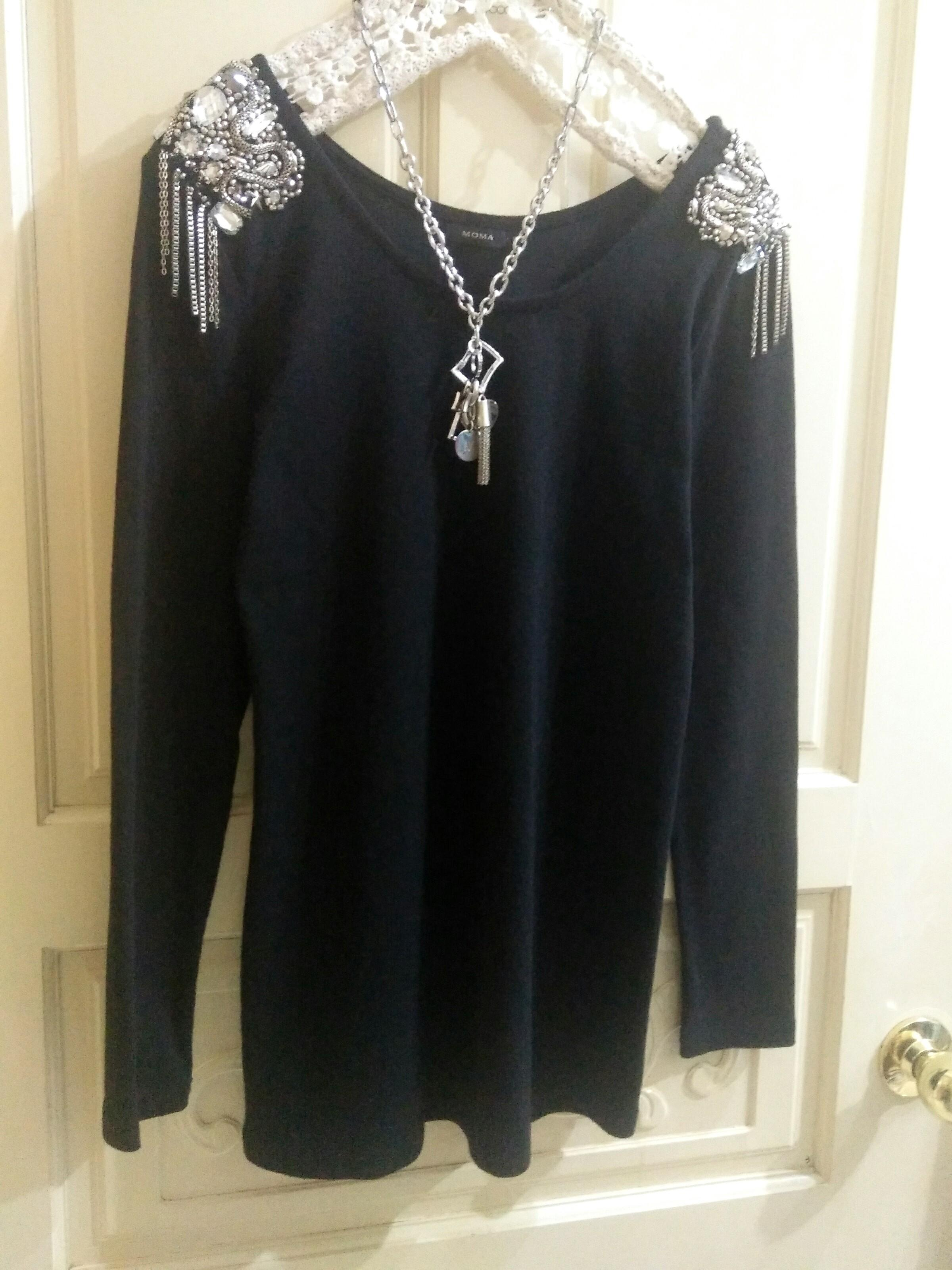 MOMA 專櫃 鑽飾流蘇上衣(買滿一千五之贈品)