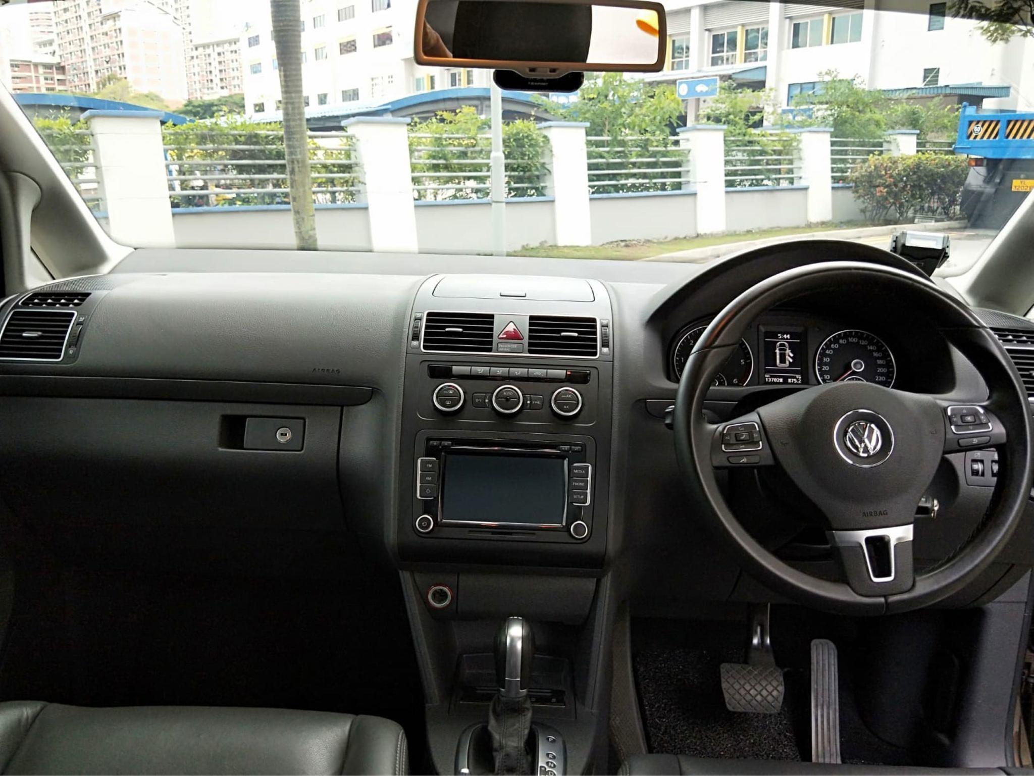 Volkswagen Touran 1.6 TDI Auto