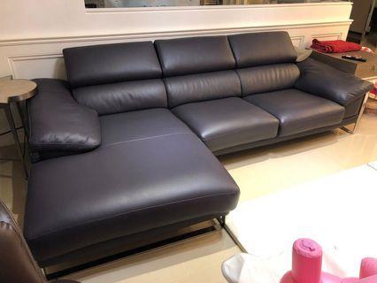 Corinm沙發,9成新原價26萬多,購於2015年3月