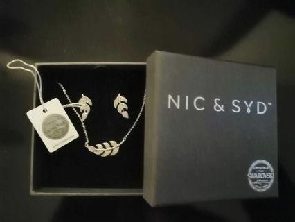 Nic and Syd Pendant Necklace and Earring Set