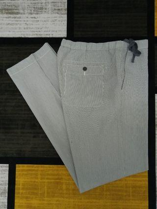 UNIQLO LIGHTWEIGHT RELAXED PANTS SELUAR