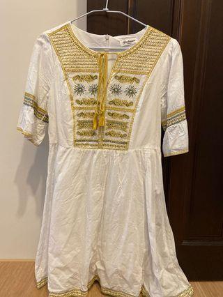 Honique 米粒 曼谷連線 白色棉麻民族風短洋裝
