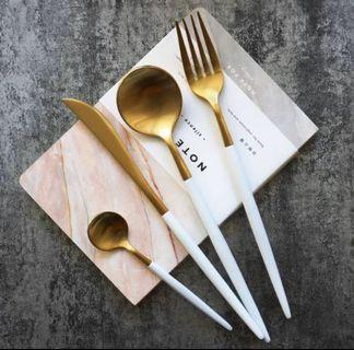 Gold cutlery only 175/set