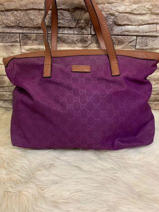 Gucci totebag authentic nylon mix leather , 36 x 28 x 13 cm, masih cakep, bag only