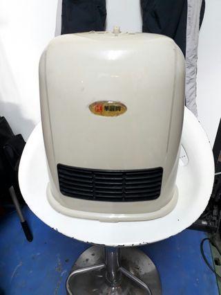華麗牌電暖爐功能正常