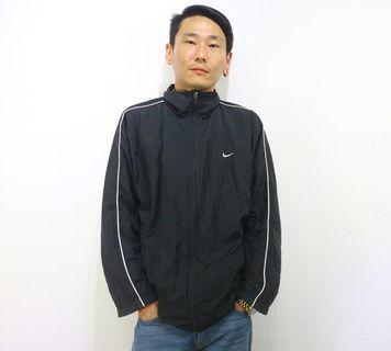 「NIKE 黑色 基本款 高領 古著 風衣 外套 肩:50cm 長:68cm @舊到過去」