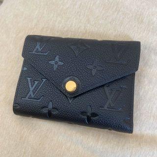 Lv Zoe 黑色 壓紋 短夾  全新 包包太多出清賣