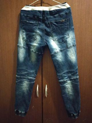 原價1000 牛仔褲 Pomelo jeans