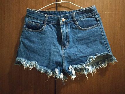 顯瘦牛仔短褲