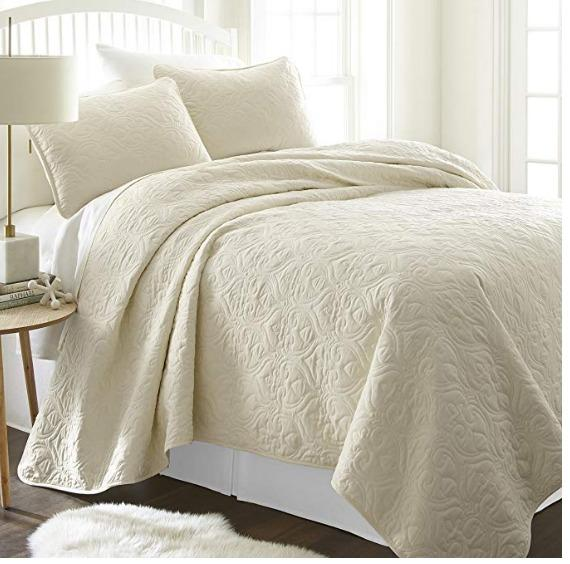 3 Piece Patterned Quilted Coverlet Set (Size Queen/Full)