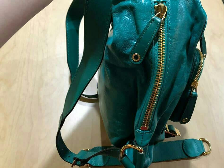AUTHENTIC GUCCI FULL LEATHER BACKPACK - EXCELLENT CONDITION - (SIZE: 32 X 24 CM APPROX.) - (RETAILS AT AROUND RM 11,000+)
