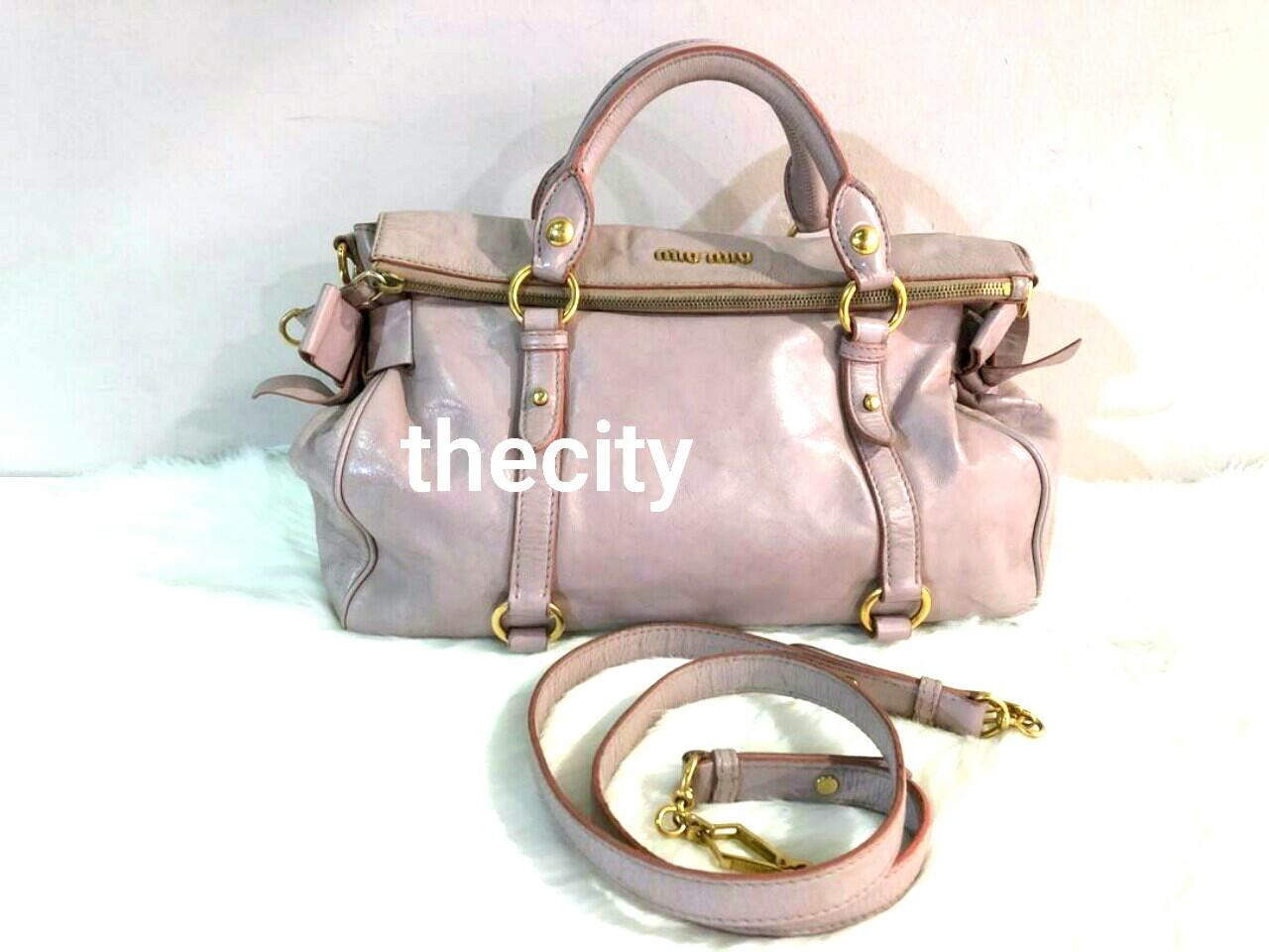 AUTHENTIC MIU MIU MEDIUM LEATHER BAG WITH ITS ORIGINAL LONG STRAP FOR CROSSBODY SLING - OVERALL GOOD !