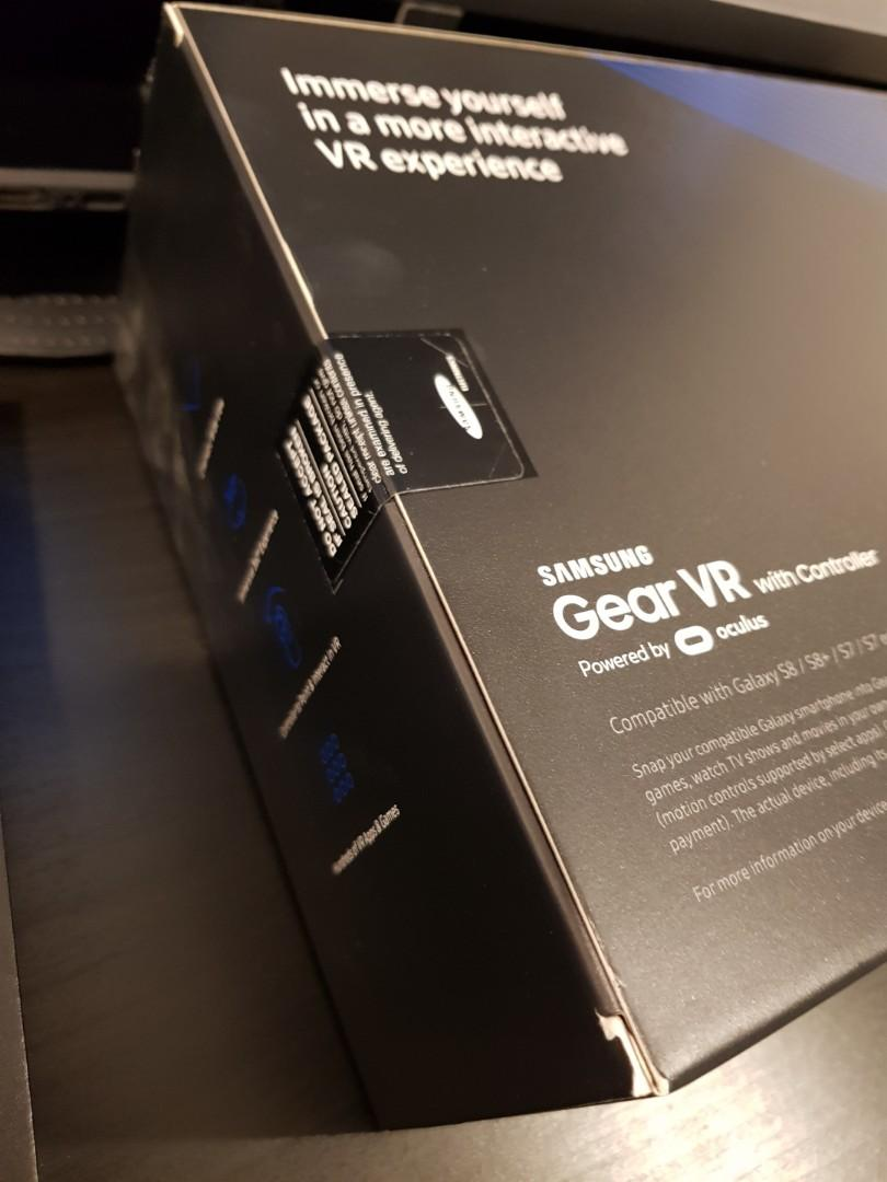 Gear VR powered by Oculus (Brand new with controller)
