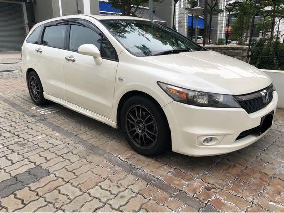 Honda Stream 1.8 Available For Rent! Weekly gojek rental rebate available