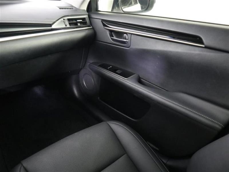 Jc car  Lexus 凌志 2016年 ES200 2.0L 小改款旗艦版滿配 ACC 豪華舒適 大型房車 另售油電款