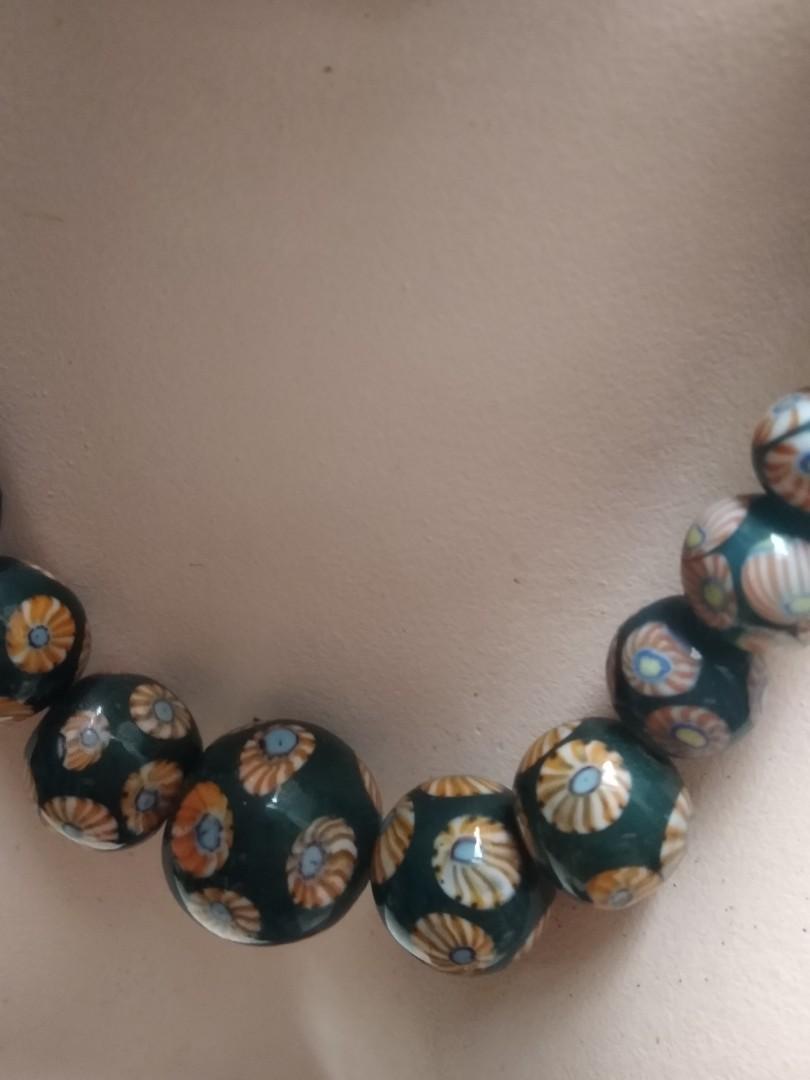 Kalung batu flower