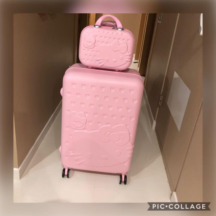 """💞LAST SET OFFER @ $90💞Brand New Adorable 28"""" BIG Hello Kitty check in luggage set. Ideal as 🎁gifts or for your own use❗️Do refer to photos & descriptions on my ad👌🏻"""