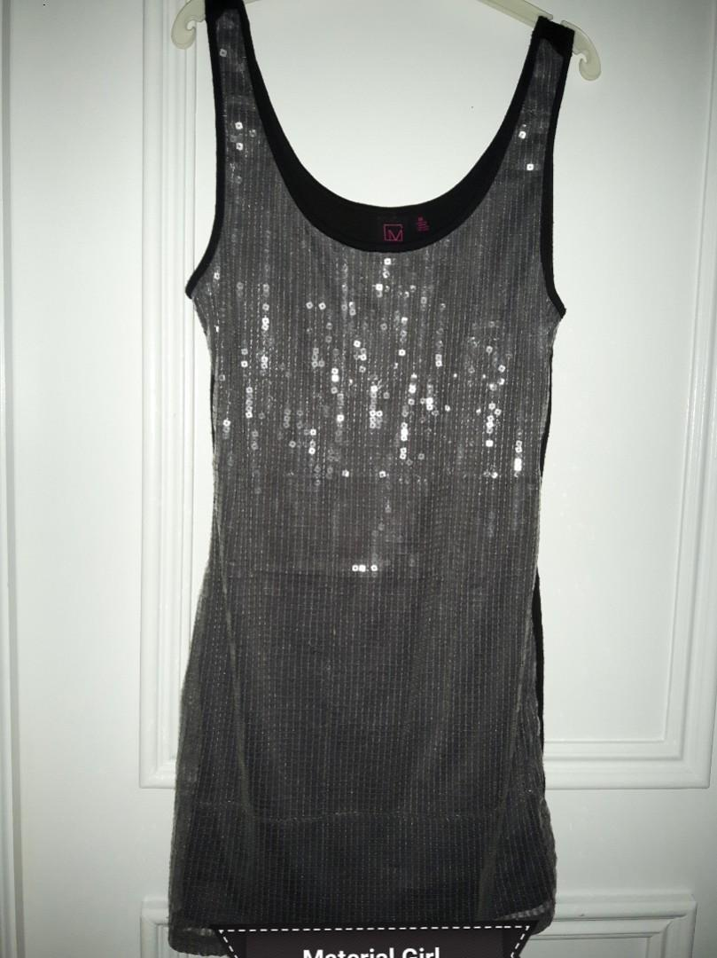 MATERIAL GIRL-LOWERED- SILVER SPARKLY SEQUIN MINI DRESS IN MEDIUM