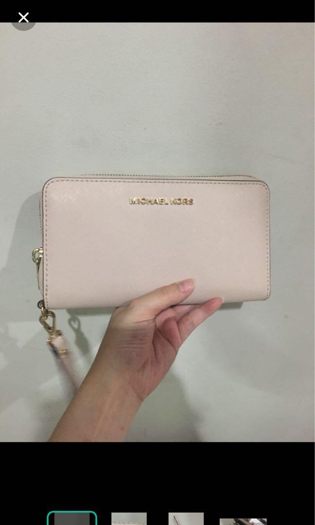 Michael kors wallet pink