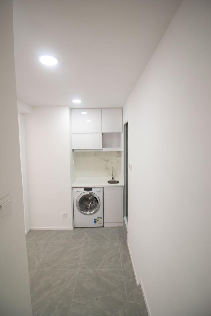 Newly Renovated Studio in North Point. 3 mins walk from mtr. Rent negotiable and no agent commission fee