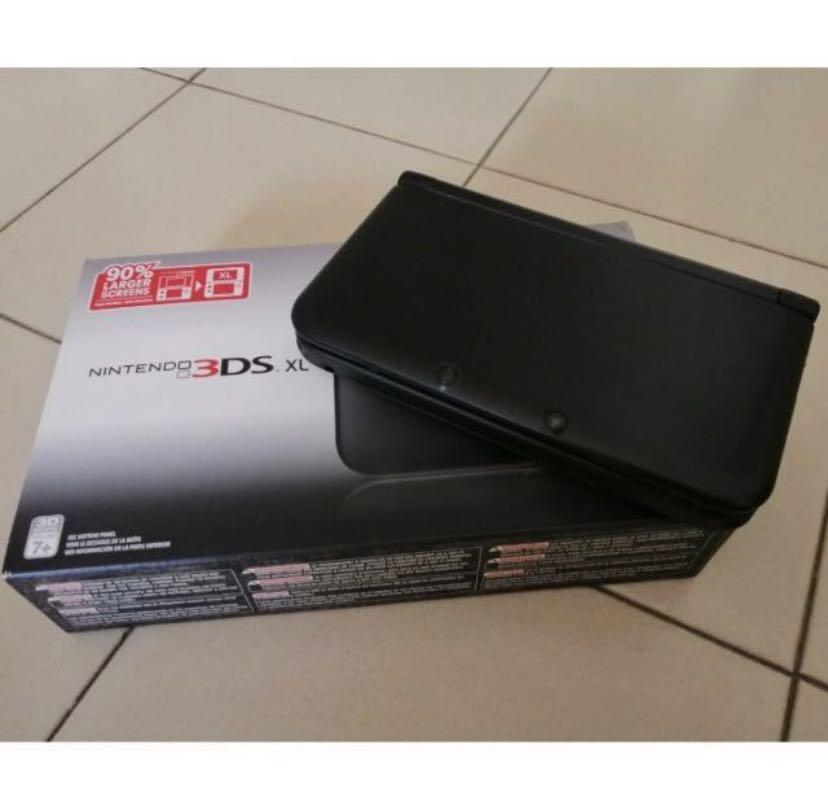 Nintendo 3DS XL + 4 games