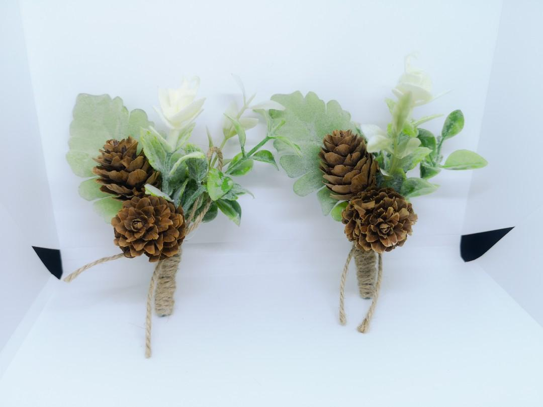 Wedding corsage boutonniere
