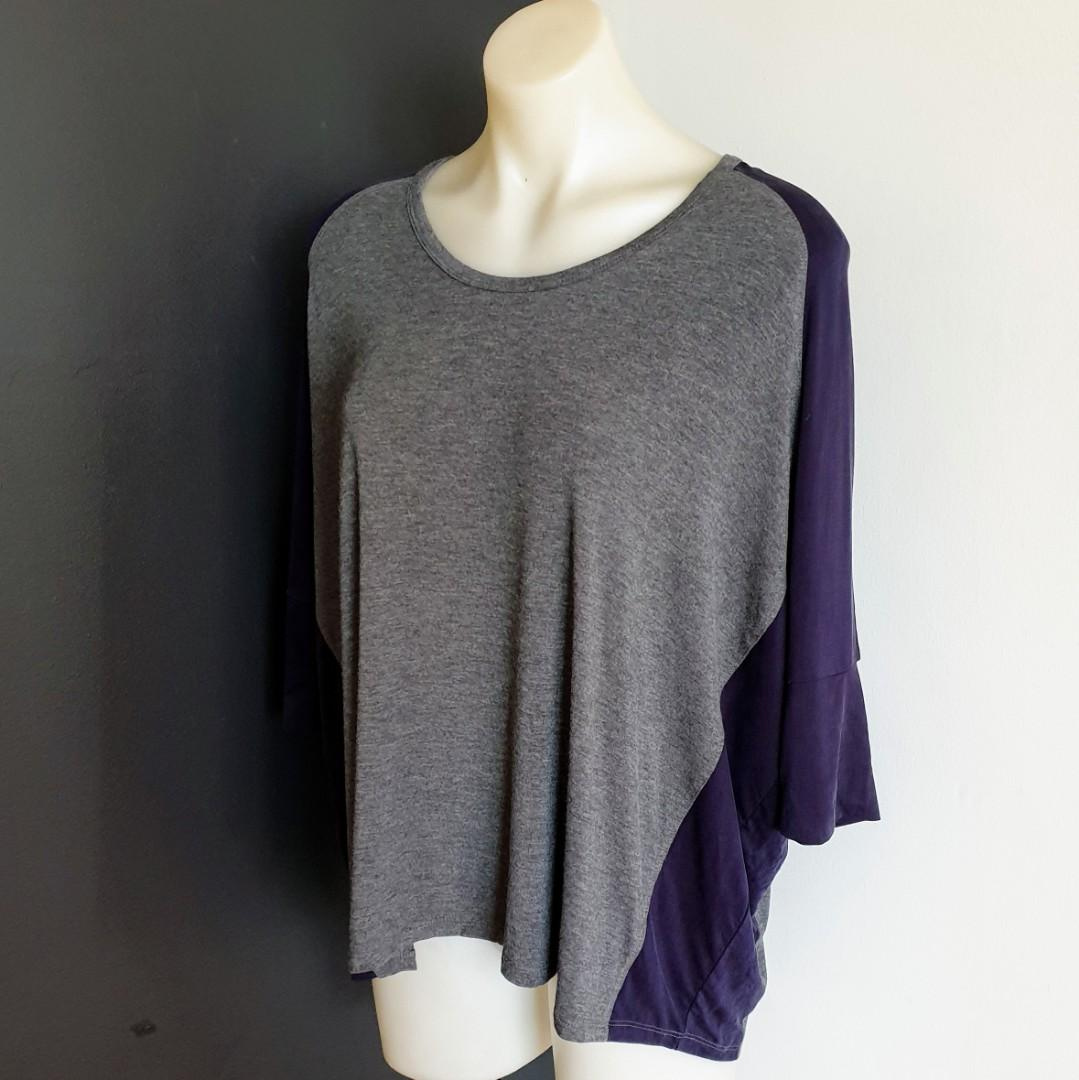 Women's size S 'WITCHERY' Gorgeous grey and navy oversized 3/4 sleeve top AS NEW