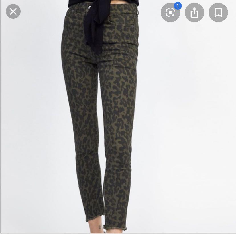 Zara high waisted leopard print skinny jeans - Sz 4