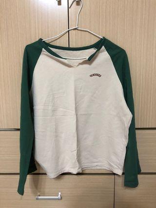 韓系小v領綠色上衣 #剁手時尚