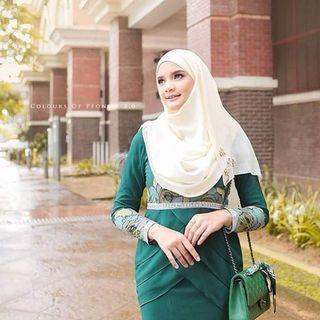 Minaz Nadeera green XL