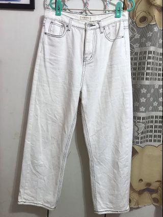 白色直筒褲
