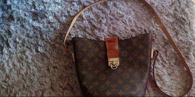 LV BAG  LEATHER