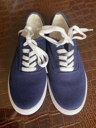 全新Lativ帆布鞋37號