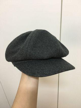 灰色貝雷帽