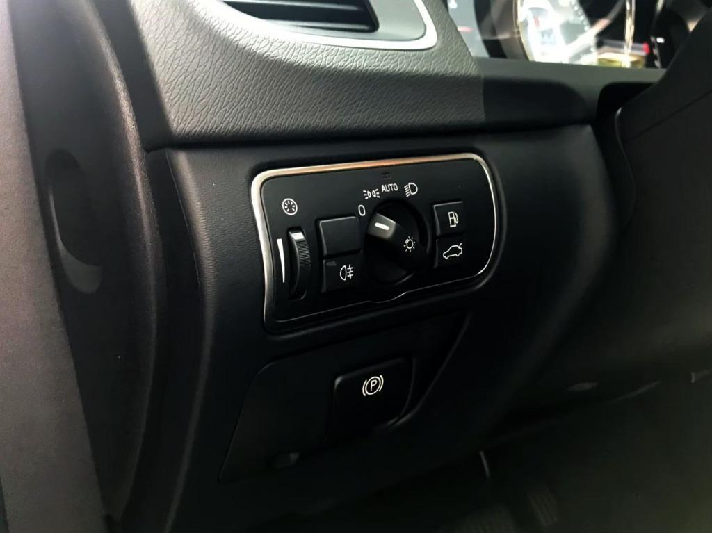 2015年式 VOLVO D4 V60 2.0 渦輪柴油 旗艦版 約200萬的新車價 #現在5折價即可擁有