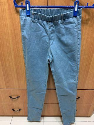 日本帶回GU淺色彈性窄管褲 小腳褲 M號
