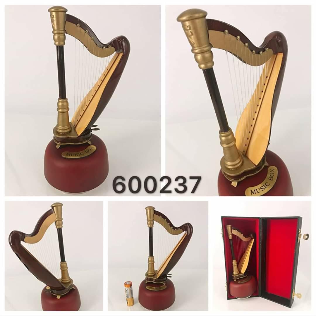 立體 Harp music box 豎琴旋轉音樂盒 musicbox, 有4個音樂: A-Moonriver; B-天空之城; C-Mozart: K525 Allegro; D-over the rainbow