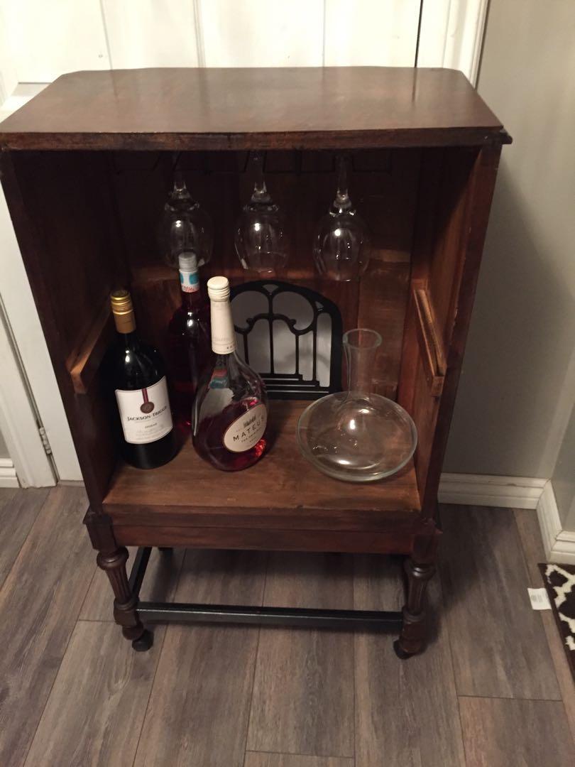 Antique radio mini bar