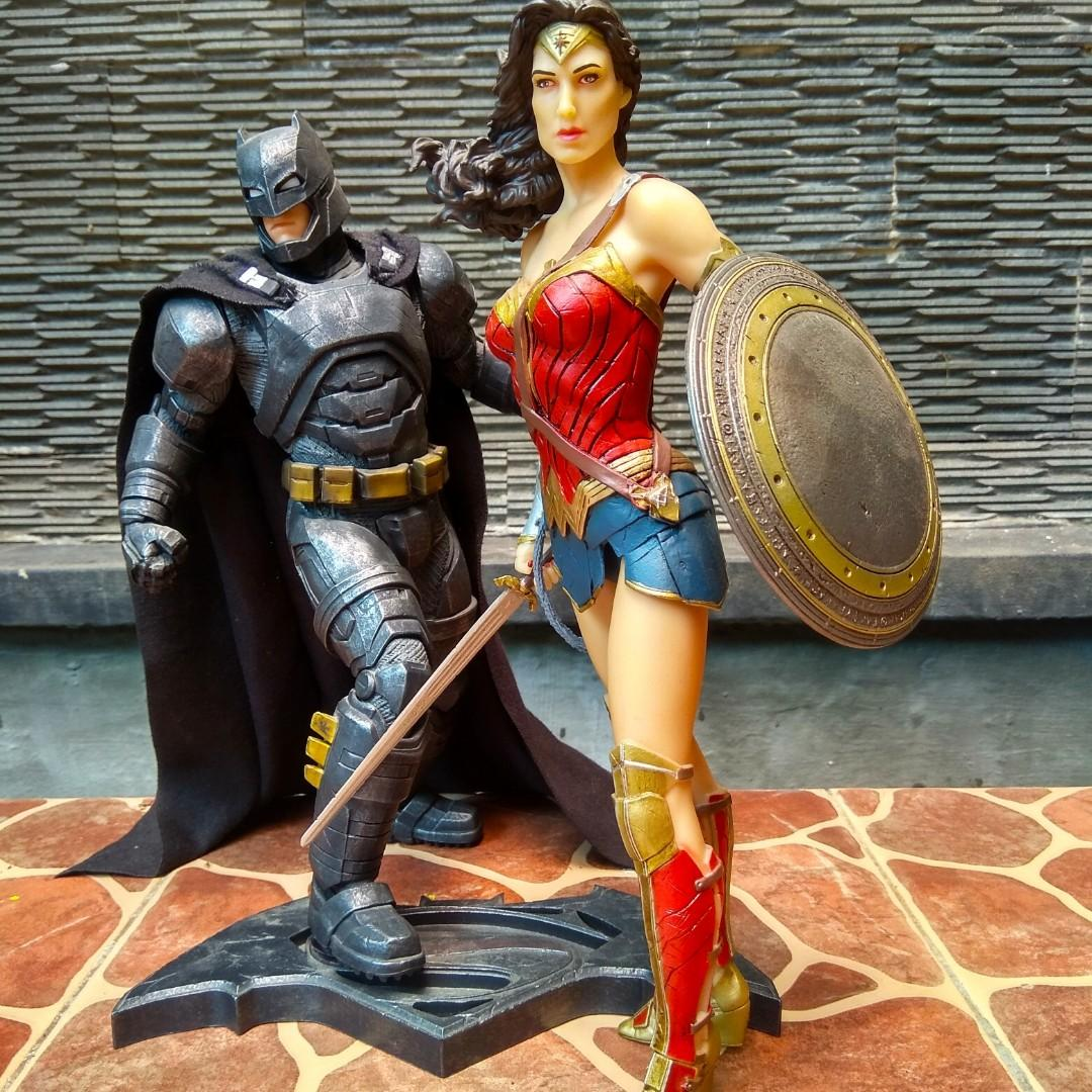 Batman Armored & Wonder Woman