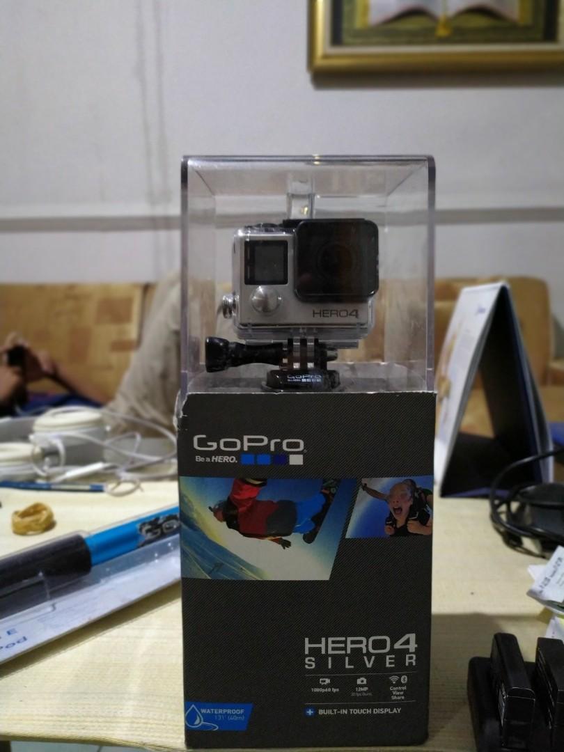 Go Pro Hero 4 Silver (rare condition)