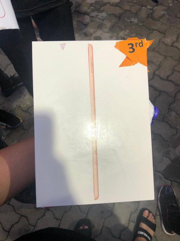 iPad 6th Gen (Gold), Wifi