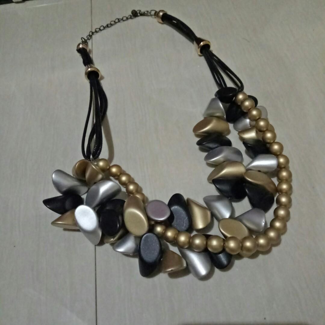 Kalung batu bohemian